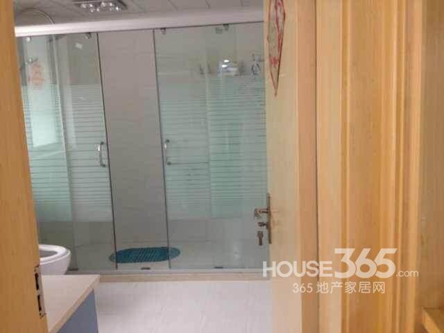 大统华七庙巷3室2厅1卫132.50�O满两年产权房豪华装