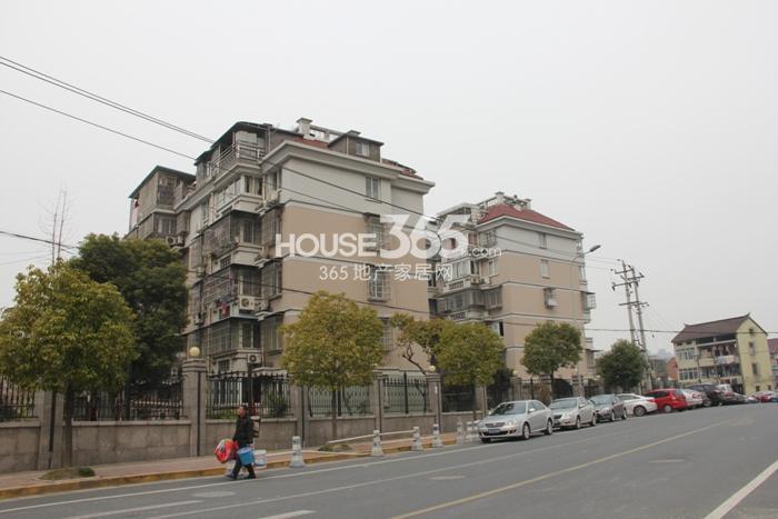 2015年3月底中天官河锦庭项目周边小区