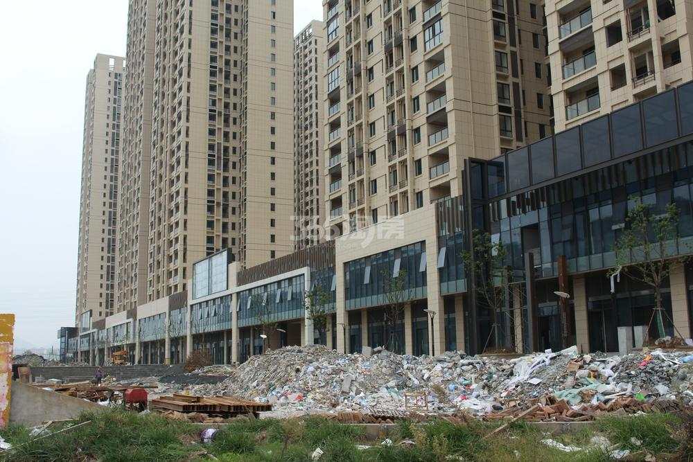 东方万汇城工程进展实景图(9.25)