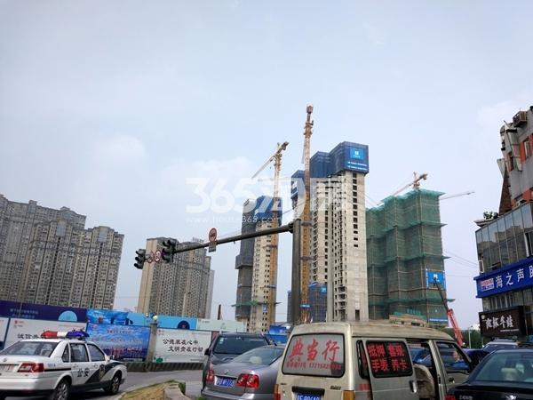 世茂时光里3#、6#、7#楼高层工程实景(2017.7摄)