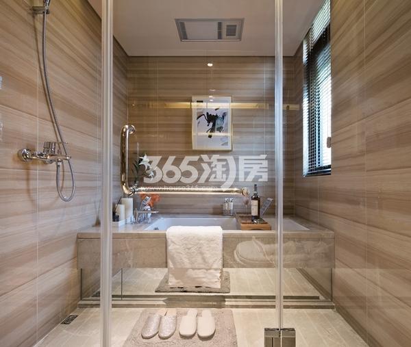 绿地西水东中央生活区W公馆194平样板间卫浴