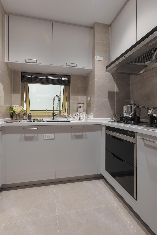 融信保利创世纪89方样板房——厨房